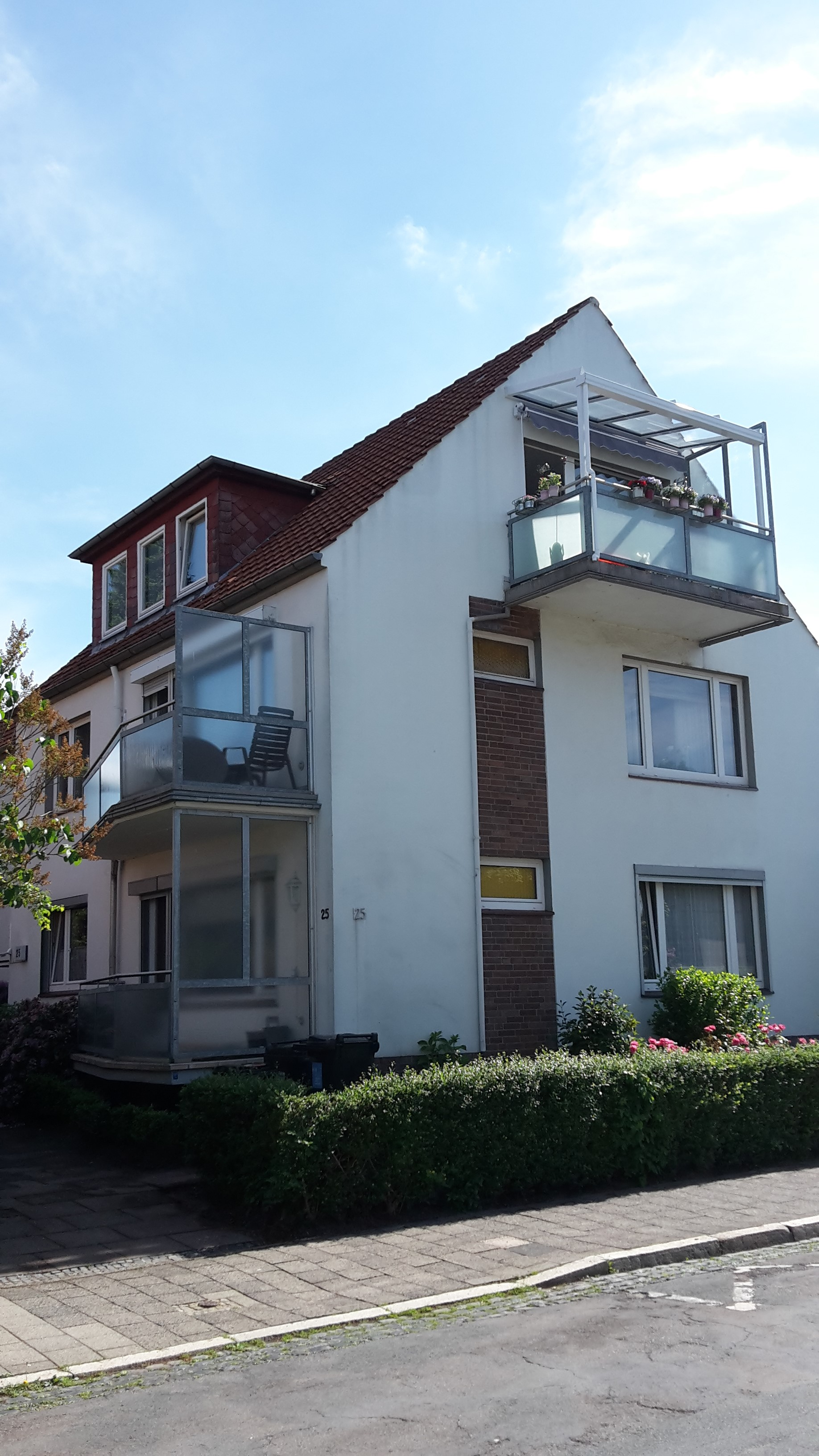tolle stadtwohnung mit balkon mittelweser immobilien. Black Bedroom Furniture Sets. Home Design Ideas