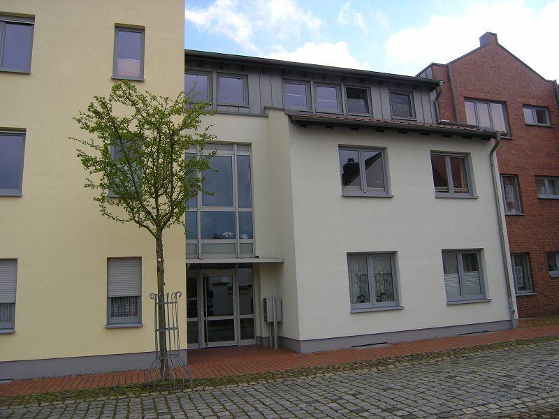 moderne stadtwohnung mit balkon in bevorzugter wohnanlage mittelweser immobilien. Black Bedroom Furniture Sets. Home Design Ideas