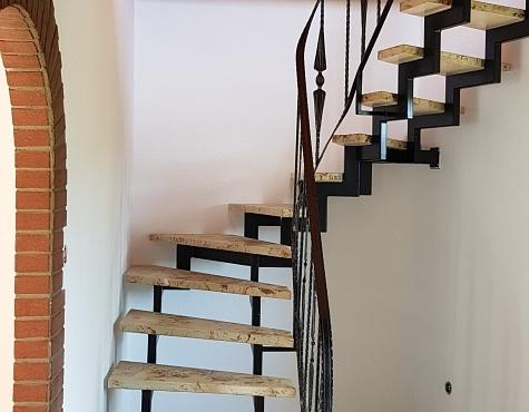 Schöne 2 12 Zimmer Wohnung Auf 2 Etagen Mittelweser Immobilien